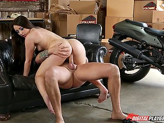 Naughty brunette Lola Foxx coaxes male friend to have spontaneous quickie right in the garage