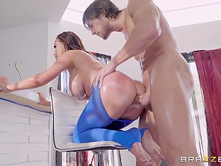 Big-boobied MILF in blue pantyhose needs to be analyzed well and everything depends on the yoga coach