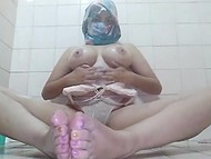 Deep down Arab is real libertine which can be seen by her masturbation show in the bathroom